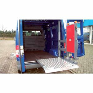 Vehicle cargo swivel lift